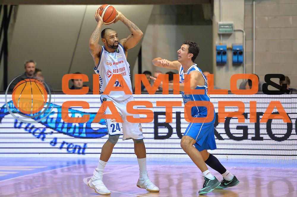 Romeo Travis<br /> Red October Cantu' vs Banco di Sardegna Sassari<br /> Basket Serie A 2016/2017<br /> Milano 23/10/2016<br /> Foto Ciamillo-Castoria