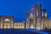 Ouzbékistan, Samarcande, classé Patrimoine Mondial de l'UNESCO, place du Reghistan, Medersa Chir Dor // Uzbekistan, Samarkand, Unesco World Heritage, the Reghistan, Chir Dor Madrasah