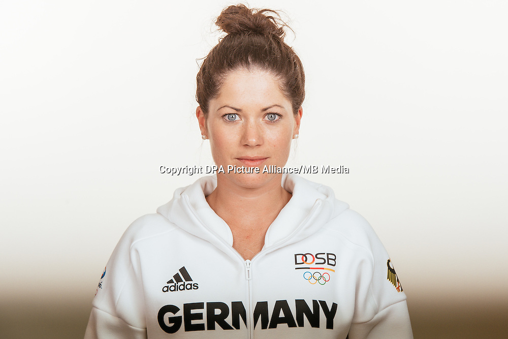 Kristina Bröring- Spiehe poses at a photocall during the preparations for the Olympic Games in Rio at the Emmich Cambrai Barracks in Hanover, Germany, taken on 18/07/16 | usage worldwide