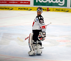 29.11.2015, Stadthalle, Villach, AUT, EBEL, EC VSV vs HC TWK Innsbruck Die Haie, 26. Runde, im Bild Andy Chiodo (Innsbruck) // during the Erste Bank Icehockey League 24th round match between EC VSV vs HC TWK Innsbruck Die Haie at the City Hall in Villach, Austria on 2015/11/29, EXPA Pictures © 2015, PhotoCredit: EXPA/ Oskar Hoeher