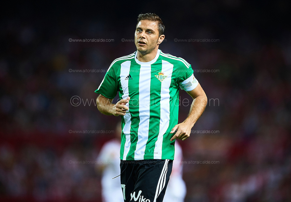SEVILLE, SPAIN - SEPTEMBER 20:  Joaquin Sanchez of Real Betis Balompie looks on during the match between Sevilla FC vs Real Betis Balompie as part of La Liga at Estadio Ramon Sanchez Pizjuan on September 20, 2016 in Seville, Spain.  (Photo by Aitor Alcalde Colomer/Getty Images)