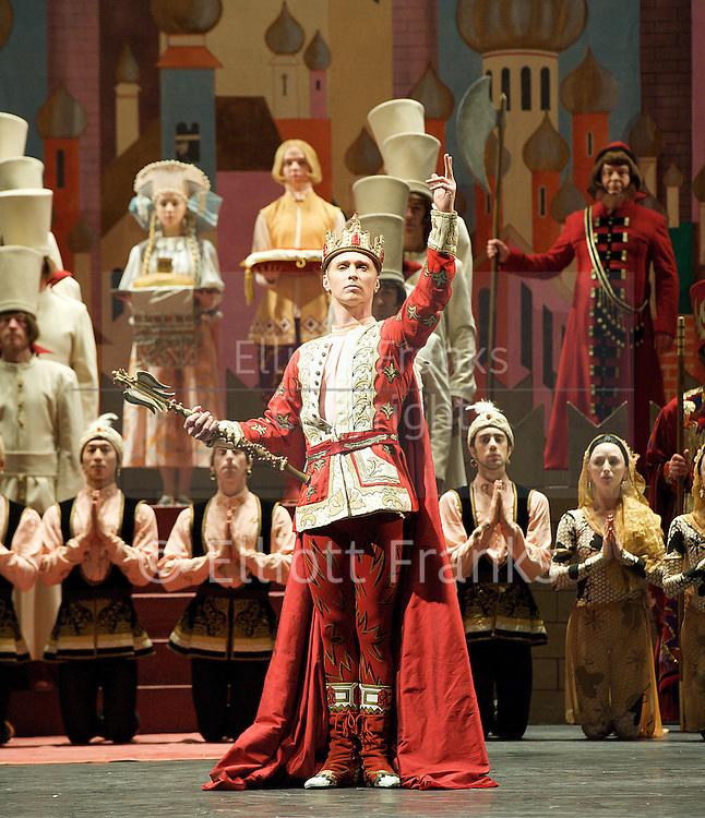 Firebird<br /> The Royal Ballet <br /> at The Royal Opera House, Covent Garden, London, Great Britain <br /> 19th December 2012<br /> <br /> pre-general rehearsal <br /> <br /> Itziar Mendizabal <br /> as Firebird<br /> <br /> Tara Bhavnani as Tsarevna<br /> <br /> Bennet Gartside as Tsarevitch <br /> <br /> Gary Avis as Kostchei <br />  <br /> <br /> <br /> Photograph by Elliott Franks