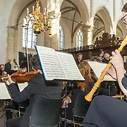 NLD/Naarden/20190419 - Matthaus-Passion in de grote kerk van Naarden, Flluitiste in de kerk