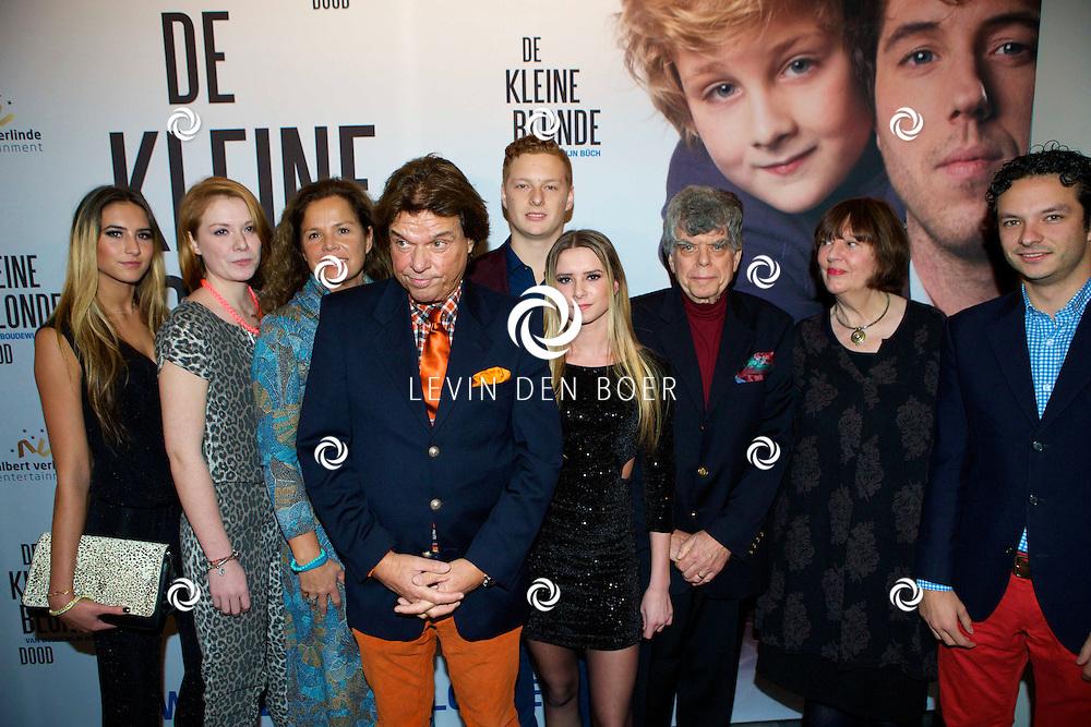 DEN HAAG - De premiere van 'De Kleine Blonde Dood'. Met hier op de foto familie Buch. FOTO LEVIN DEN BOER - PERSFOTO.NU