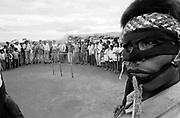 Índios guarani Kaiowás, Mato Grosso do Sul - outubro de 2000. Aldeia Paraguaçu, município de Paranhos, MS. Área de conflito da luta pela terra. .Indians Guarani Kaiowás, Mato Grosso do Sul - October of 2000. Village Paraguaçu, municipal district of Paranhos, BAD. Area of conflict of the fight for the earth. .Índios guarani Kaiowás, Mato Grosso do Sul - outubro de 2000. Aldeia Paraguaçu, município de Paranhos, MS. Área de conflito da luta pela terra. .Indians Guarani Kaiowás, Mato Grosso do Sul - October of 2000. Village Paraguaçu, municipal district of Paranhos, BAD. Area of conflict of the fight for the earth.