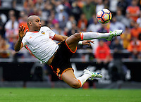 VALENCIA, SPAIN - OCTOBER 22:  Aymen Abdennour of Valencia in action during the La Liga match between Valencia CF and FC Barcelona at Mestalla Stadium on October 22, 2016 in Valencia, Spain.  (Photo by Manuel Queimadelos Alonso/Getty Images)