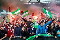 ROTTERDAM - Feyenoord - Heracles , Voetbal , Seizoen 2016/2017 , Eredivisie , Stadion Feyenoord - De Kuip , 14-05-2017 , Kampioenswedstrijd , Fanatieke supporters Feyenoord met rook en vlaggen