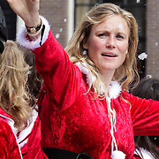 NLD/Amsterdam/20120804 - Canalparade tijdens de Gaypride 2012, BNN boot, Sophie Hilbrand