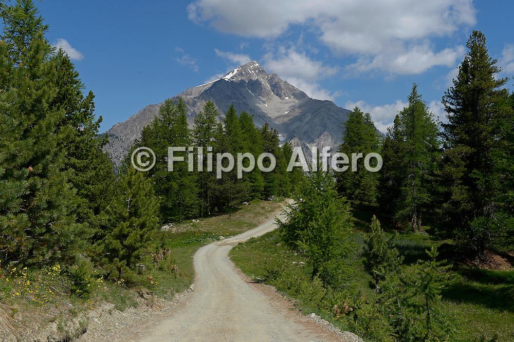 &copy; Filippo Alfero<br /> Rifugio Baita Gimont, Pian Gimont, Sentiero Balcone, Monti della Luna<br /> Cesana (TO), 05/07/2013