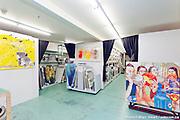 Quoi de neuf ? Vernissage de l'exposition pr&eacute;sentant plusieurs des 93 nouvelles &oelig;uvres originales s&eacute;lectionn&eacute;s par le comit&eacute; en 2015 pour enrichir la collection de 4000 oeuvres disponibles en location aux publics. -  L'Artoth&egrave;que, 5720 rue Saint-Andr&eacute;<br /> Montreal Qc H2S 2K1 / Montreal / Canada / 2016-02-11, &copy; Photo Marc Gibert / adecom.ca