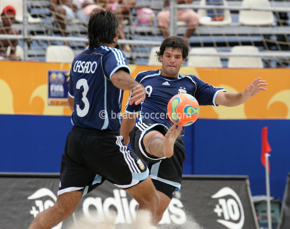 Footbal-FIFA Beach Soccer World Cup 2006 -  Oficial Games BHR x ARG - Minici and Casado- Brazil - 04/11/2006.<br />Mandatory Credit: FIFA/Ricardo Ayres