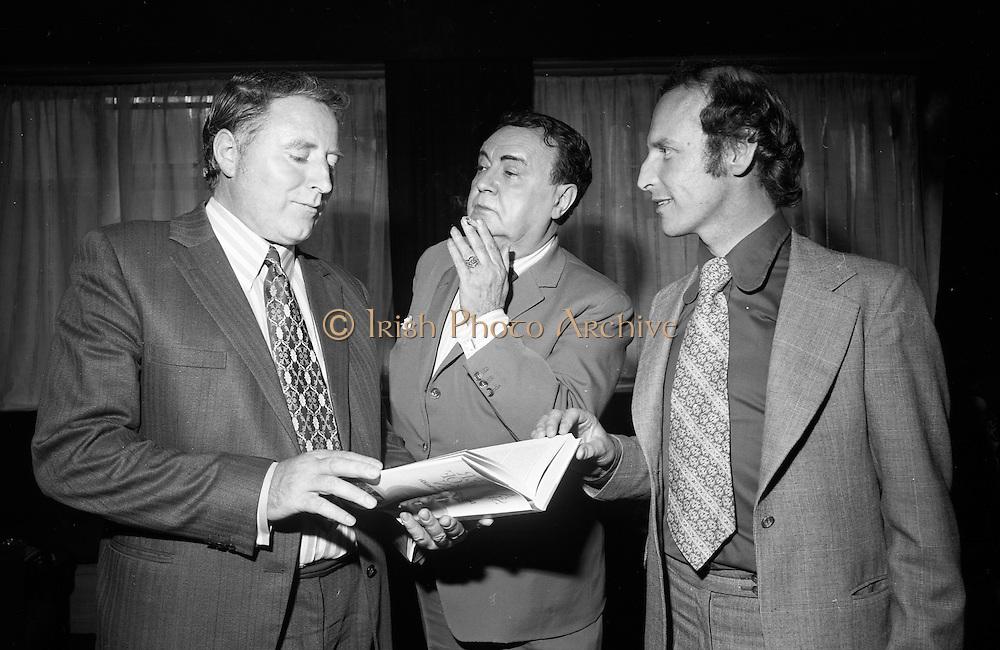 Michael Mac'Liamoir..D945 -457 (b ). 1972 24:7 .Book launch. Dublin. Ireland