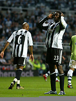 Fotball<br /> England 2005/2006<br /> Foto: SBI/Digitalsport<br /> NORWAY ONLY<br /> <br /> Newcastle United v Deportivo La Coruna<br /> Intertoto Cup.<br /> 03/08/2005.<br /> Newcastle's Shola Ameobi (R) rues another missed opportunity.