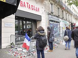 November 14, 2016 - Paris, France, France - Plaque en hommage des victimes des attaques du 13/11/2015 au Bataclan (Credit Image: © Panoramic via ZUMA Press)