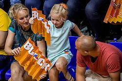 26-08-2017 NED: World Qualifications Netherlands - Slovenia, Rotterdam<br /> De Nederlandse volleybalsters plaatsten zich eenvoudig voor het WK volgend jaar in Japan. Ook Sloveni&euml; wordt met 3-0 verslagen / Jong Oranje support block
