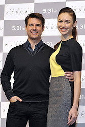59613077.Tom Cruise and Olga Kurylenko at the Press conference to Oblivion in Hotel Ritz Carlton Tokyo, Japan, May 7, 2013. Photo by:  imago / i-Images.UK ONLY