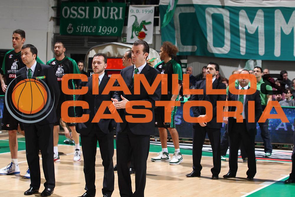 DESCRIZIONE : Siena Eurolega 2010-11 Playoffs Gara 4 Montepaschi Siena Olympiacos<br /> GIOCATORE : Simone Pianigiani<br /> SQUADRA : Montepaschi Siena<br /> EVENTO : Eurolega 2010-2011<br /> GARA : Montepaschi Siena Olympiacos<br /> DATA : 31/03/2011<br /> CATEGORIA : coach<br /> SPORT : Pallacanestro <br /> AUTORE : Agenzia Ciamillo-Castoria/ElioCastoria<br /> Galleria : Eurolega 2010-2011<br /> Fotonotizia : Siena Eurolega 2010-11 Playoffs Gara 4 Montepaschi Siena Olympiacos<br /> Predefinita :