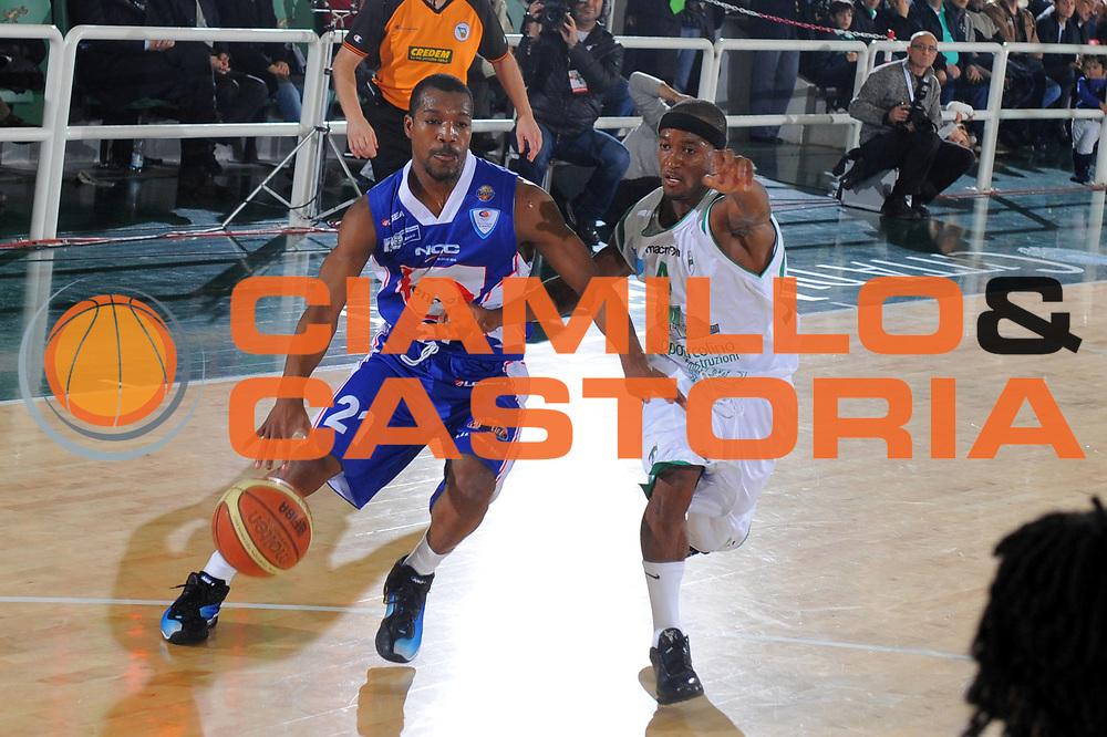 DESCRIZIONE : Avellino Lega A 2010-11 Air Avellino Bennet Cantu<br /> GIOCATORE : MIKE GREEN<br /> SQUADRA : Bennet Cantu<br /> EVENTO : Campionato Lega A 2010-2011<br /> GARA : Air Avellino Bennet Cantu<br /> DATA : 20/11/2010<br /> CATEGORIA : palleggio<br /> SPORT : Pallacanestro<br /> AUTORE : Agenzia Ciamillo-Castoria/A.DeLise<br /> Galleria : Lega Basket A 2010-2011<br /> Fotonotizia : Avellino Lega A 2010-11 Air Avellino Bennet Cantu<br /> Predefinita :