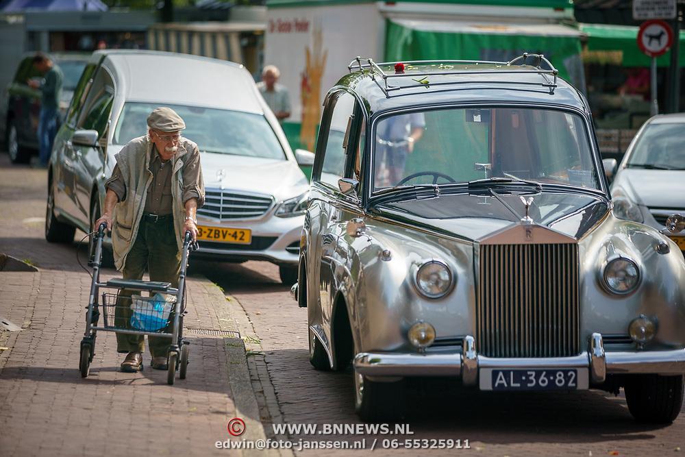 NLD/Huizen/20180818 - uitvaart Bert Verwelius, rouwauto