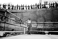 Un boxeador permanece de pie en un ring de boxeo durante la celebración de los 255 años de la Parroquia Altagracia. Caracas, 25-08-07 (Ivan Gonzalez)
