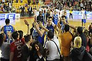 DESCRIZIONE : Roma Lega Basket A 2011-12  Acea Virtus Roma Novipiu Casale Monferrato<br /> GIOCATORE : team<br /> CATEGORIA : esultanza tifosi<br /> SQUADRA : Novipiu Casale Monferrato<br /> EVENTO : Campionato Lega A 2011-2012 <br /> GARA : Acea Virtus Roma Novipiu Casale Monferrato<br /> DATA : 29/04/2012<br /> SPORT : Pallacanestro  <br /> AUTORE : Agenzia Ciamillo-Castoria/ GiulioCiamillo<br /> Galleria : Lega Basket A 2011-2012  <br /> Fotonotizia : Roma Lega Basket A 2011-12 Acea Virtus Roma Novipiu Casale Monferrato <br /> Predefinita :