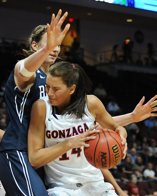 Gonzaga takes on BYU during the WCC Tournament at the Orleans Arena in Las Vegas. Photo by Rajah Bose