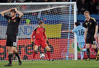 Fotball<br /> VM 2010<br /> Bronsefinale<br /> Tyskland v Uruguay<br /> 10.07.2010<br /> Foto: Witters/Digitalsport<br /> NORWAY ONLY<br /> <br /> Tor 2:1 Diego Forlan (Uruguay, nicht im Bild), Torwart Hans-Joerg Butt<br /> Fussball WM 2010 in Suedafrika, Spiel um Platz 3, Uruguay - Deutschland