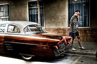 "Welcome back to the ""Happy Days""<br /> Each year, dozens of rockabilly fans get together in a town of Spain, Calafell<br /> For a week, wherever in this small town near Barcelona they live as people did in the 50's;"