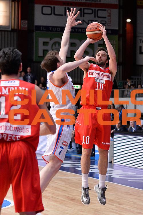 DESCRIZIONE : Cantu Lega A 2015-16 <br /> GIOCATORE : Daniele Cavaliero<br /> CATEGORIA : Tiro Tre Punti <br /> SQUADRA : Openjobmetis Varese<br /> EVENTO : Campionato Lega A 2015-2016<br /> GARA : Acqua Vitasnella Cantu' - Openjobmetis Varese<br /> DATA : 04/05/2015<br /> SPORT : Pallacanestro<br /> AUTORE : Agenzia Ciamillo-Castoria/M.Ozbot<br /> Galleria : Lega Basket A 2015-2016 <br /> Fotonotizia: Cantu Lega A 2015-16