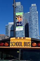 30-10-2015 USA: NYC Marathon We Run 2 Change Diabetes day 2, New York<br /> Na Expo met de groep op de fiets NY verkennen / Expo hal, inschrijving, schoolbus