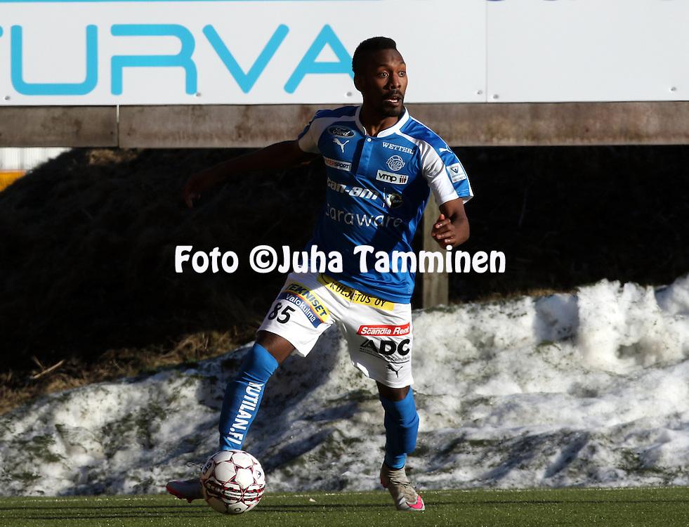 2.4.2016, Myyrm&auml;en jalkapallostadion, Vantaa.<br /> Veikkausliiga 2016.<br /> Pallokerho-35 Vantaa - Rovaniemen Palloseura.<br /> John Oluremi William - RoPS