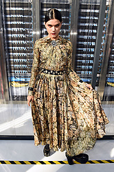 Soko bei der Chanel Modenschau während der Paris Fashion Week / 041016<br /> <br /> ***Chanel fashion show as part of Paris Fashion Week on october 04, 2016 in Paris***