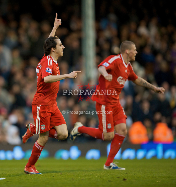LONDON, ENGLAND - Saturday, April 4, 2009: Liverpool's match-winner Yossi Benayoun celebrates his goal against Fulham during the Premiership match at Craven Cottage. (Pic by David Rawcliffe/Propaganda)