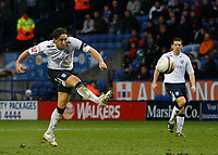 Photo: Steve Bond/Sportsbeat Images.<br /> Leicester City v West Bromwich Albion. Coca Cola Championship. 08/12/2007. Jonathan Greening shoots from long range