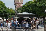 Kaffeebar am Ludwigsplatz, Stadtplatz, Straubing, Donau, Bayerischer Wald, Bayern, Deutschland | coffee bar on Ludwig square, Stadtplatz, town square, Straubing, Danube, Bavarian Forest, Bavaria, Germany
