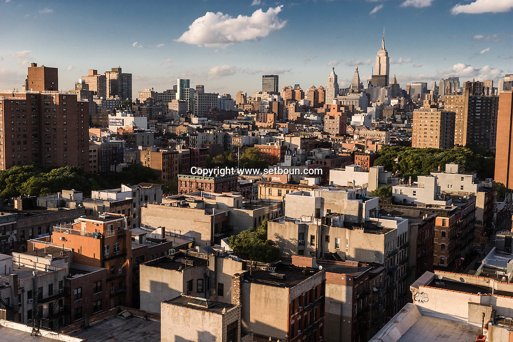 New York. elevated view on Lower east side area, Manhattan  skyline view ; The empire state building, midtown  New York, Manhattan - United states /  Lower east side et Manhattan skyline,  empire state building et midtown, Manhattan, New York - Etats-unis