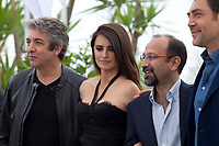 Ricardo Darin, Penelope Cruz, Director Asghar Farhadi and Javier Bardem at the Everybody Knows film photo call at the 71st Cannes Film Festival, Wednesday 9th May 2018, Cannes, France. Photo credit: Doreen Kennedy