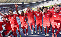 Fotball<br /> Tyskland<br /> Foto: Witters/Digitalsport<br /> NORWAY ONLY<br /> <br /> Schlussjubel v.l. Mario Goetze, Franck Ribery, Douglas Costa, Thomas Mueller, Arturo Vidal, Thiago Alcantara, Robert Lewandowski, Franck Ribery<br /> Berlin, 23.04.2016, Fussball Bundesliga, Hertha BSC Berlin - FC Bayern München