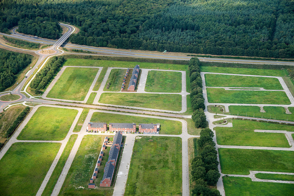 Nederland, Drenthe, Emmen, 27-08-2013; <br /> Lege kavels.<br /> Empty lots.<br /> luchtfoto (toeslag op standaard tarieven);<br /> aerial photo (additional fee required);<br /> copyright foto/photo Siebe Swart.<br /> <br /> QQQ