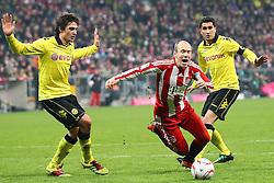 26.03.2011, Allianz Arena, Muenchen, GER, 1.FBL, FC Bayern Muenchen vs Borussia Dortmund, im Bild Mats Hummels (BVB #15) Arjen Robben (Bayern #10) und Nuri Sahin (BVB #8)  , EXPA Pictures © 2011, PhotoCredit: EXPA/ nph/  Straubmeier       ****** out of GER / SWE / CRO  / BEL ******