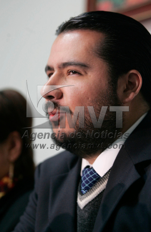 Toluca, Mex.- Mario Antonio Martinez Almazan, presidente de la Asociacion de Hoteleros, durante la conferencia de prensa donde dio a conocer resultados de las pasadas vacaciones de verano, donde los lugares mas visitados fueron, Malinalco, Valle de Bravo, Toluca, Ixtapan de la Sal, entre otros. Agencia MVT / Javier Rodriguez. (DIGITAL)<br /> <br /> <br /> <br /> <br /> <br /> <br /> <br /> NO ARCHIVAR - NO ARCHIVE