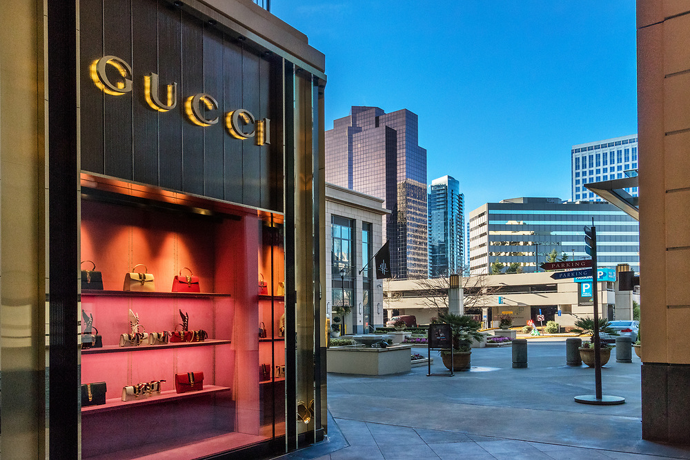 T he Bravern ,Gucci, DT Bellevue looking west.