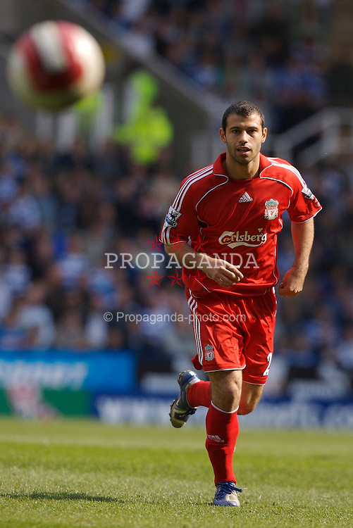 Reading, England - Saturday, April 7, 2007: Liverpool's Javier Mascherano in action against Reading during the Premier League match at the Madejski Stadium. (Pic by David Rawcliffe/Propaganda)