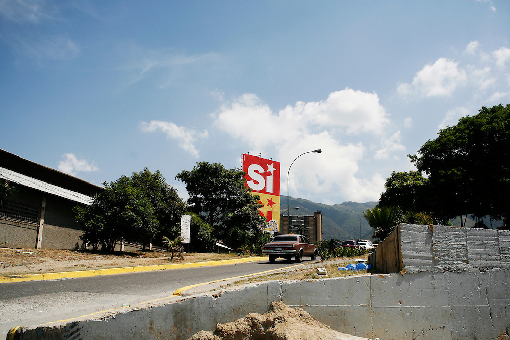 "A pro-Chavez billboard in Caracas reads ""Si"" (Yes) to support a referendum in February which included the removal of term limits for the president."