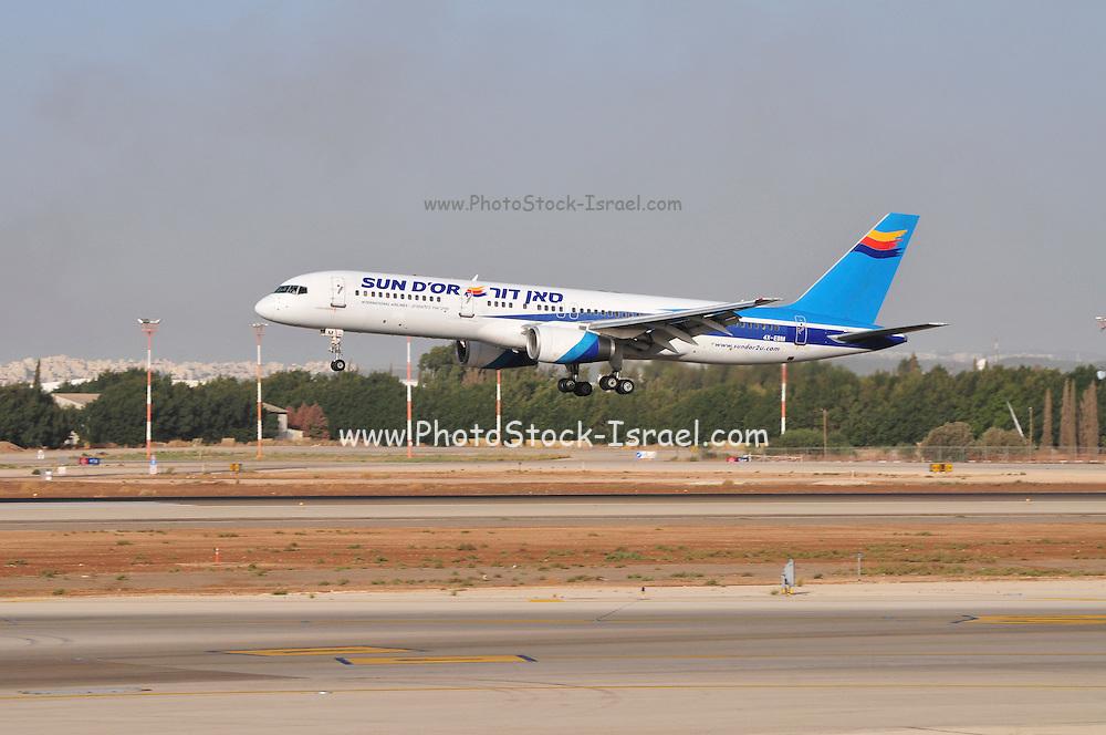 Israel, Ben-Gurion international Airport Sun D'or Boeing 757-258