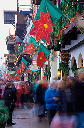 North America, United States, Washington, Leavenworth. Christmas shoppers on Front Street