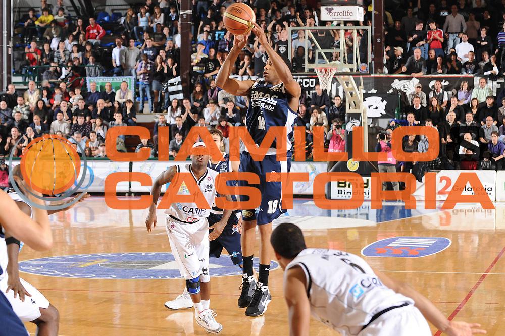 DESCRIZIONE : Ferrara Lega A 2008-09 Carife Ferrara GMAC Fortitudo Bologna<br /> GIOCATORE : Alex Scales<br /> SQUADRA : GMAC Fortitudo Bologna<br /> EVENTO : Campionato Lega A 2008-2009<br /> GARA : Carife Ferrara GMAC Fortitudo Bologna<br /> DATA : 21/03/2009<br /> CATEGORIA : tiro<br /> SPORT : Pallacanestro<br /> AUTORE : Agenzia Ciamillo-Castoria/M.Marchi