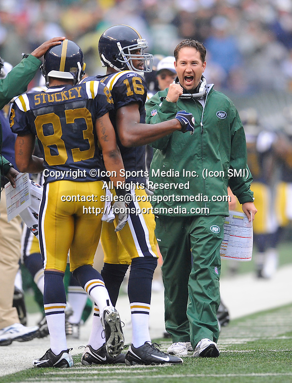 27 September 2009: New York Jets offensive coordinator Brian Schottenheimer reacts after a touchdown in the first quarter during the New York Jets 24-17 win over the Tennessee Titans at Giants Stadium in East Rutherford, NJ