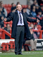 Photo: Glyn Thomas.<br />Nottingham Forest v Oldham Athletic. Coca Cola League 1.<br />14/01/2006.<br />Forest's manager Gary Megson.