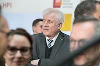 14 NOV 2018, POTSDAM/GERMANY:<br /> Horst Seehofer, CSU, Bundesinnenminister, waehrend einer Praesentation des HPI im Rahmen der Klausurtagung des Bundeskabinetts, Hasso Plattner Institut (HPI), Potsdam-Babelsberg<br /> IMAGE: 20181114-01-068<br /> KEYWORDS; Kabinett, Klausur, Tagung